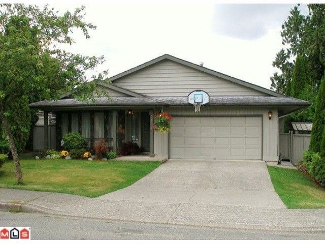 Main Photo: 9543 213TH Street in Langley: Walnut Grove House for sale : MLS®# F1100225