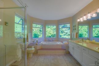 """Photo 14: 15 PARKGLEN Place in Port Moody: Heritage Mountain House for sale in """"HERITAGE MOUNTAIN"""" : MLS®# R2207752"""