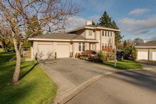 Photo 1: 804 Del Monte Lane in : SE Cordova Bay House for sale (Saanich East)  : MLS®# 863371
