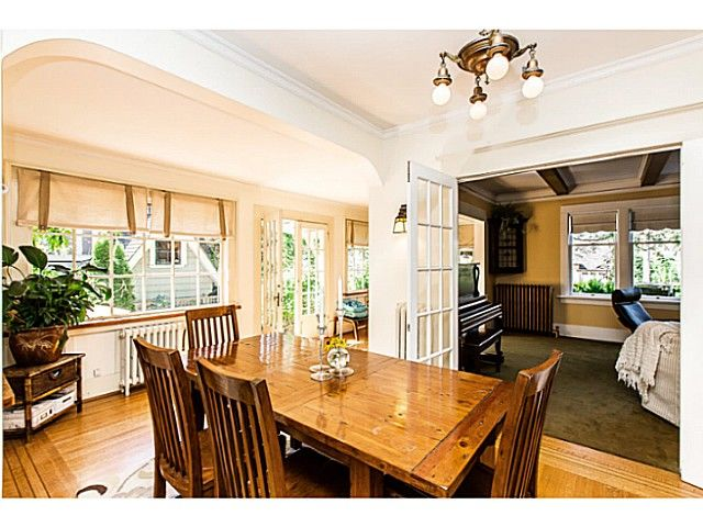 """Photo 10: Photos: 402 SIXTH Avenue in New Westminster: Queens Park House for sale in """"QUEEN'S PARK"""" : MLS®# V1083749"""