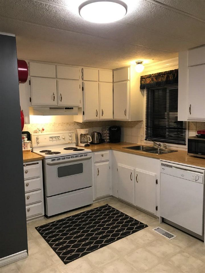 Main Photo: 29 10221 WILSON STREET in Mission: Stave Falls Manufactured Home for sale : MLS®# R2431015
