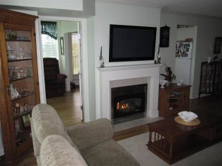 """Photo 2: 601 12148 224 Street in Maple Ridge: East Central Condo for sale in """"PANORAMA"""" : MLS®# R2158878"""