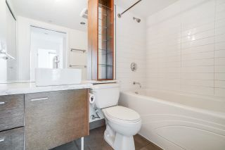 """Photo 24: 805 980 COOPERAGE Way in Vancouver: Yaletown Condo for sale in """"COOPERS POINTE by Concord Pacific"""" (Vancouver West)  : MLS®# R2614161"""