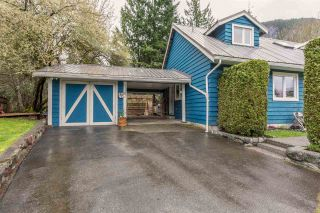 """Photo 4: 1107 PLATEAU Crescent in Squamish: Plateau House for sale in """"PLATEAU"""" : MLS®# R2050818"""