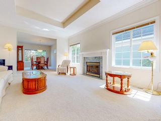 Photo 3: 7989 Simpson Rd in : CS Saanichton House for sale (Central Saanich)  : MLS®# 855130