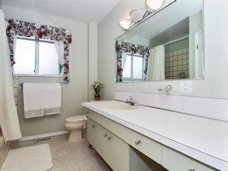 Photo 8: 15631 Roper Avenue in White Rock: Home for sale : MLS®# F2912388