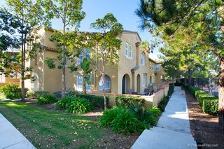 Photo 3: TORREY HIGHLANDS Townhouse for sale : 2 bedrooms : 7720 Via Rossi #5 in San Diego