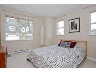 """Photo 17: 133 2729 158TH Street in Surrey: Grandview Surrey Townhouse for sale in """"KALEDEN"""" (South Surrey White Rock)  : MLS®# F1411396"""