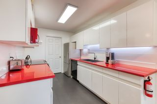 "Photo 7: 212 14998 101A Avenue in Surrey: Guildford Condo for sale in ""CARTIER PLACE"" (North Surrey)  : MLS®# R2427256"