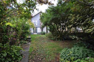"""Photo 12: 1607 E 14TH Avenue in Vancouver: Grandview VE House for sale in """"GRANDVIEW WOODLAND"""" (Vancouver East)  : MLS®# R2311671"""
