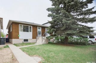 Photo 2: 331 X Avenue South in Saskatoon: Meadowgreen Residential for sale : MLS®# SK859564