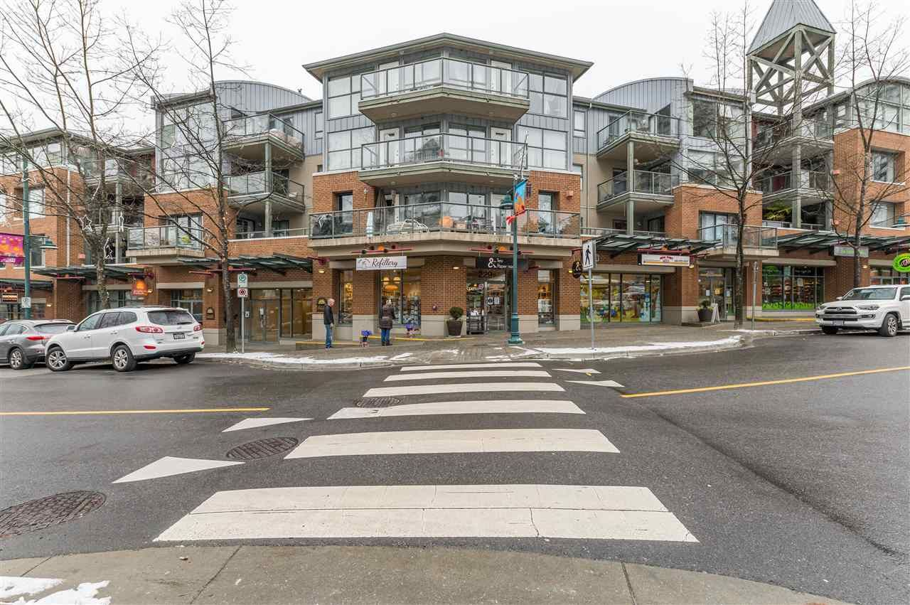 "Main Photo: 321 225 NEWPORT Drive in Port Moody: North Shore Pt Moody Condo for sale in ""CALEDONIA"" : MLS®# R2538387"