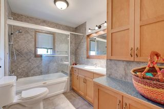 Photo 14: 8008 33 Avenue NW in Calgary: Bowness Detached for sale : MLS®# A1128426