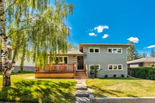 Main Photo: 2559 Charlebois Drive NW in Calgary: Charleswood Detached for sale : MLS®# A1137124