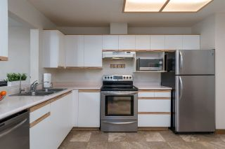 """Photo 3: 225 6820 RUMBLE Street in Burnaby: South Slope Condo for sale in """"GOVERNOR'S WALK"""" (Burnaby South)  : MLS®# R2248722"""