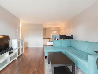 """Photo 8: 116 836 TWELFTH Street in New Westminster: West End NW Condo for sale in """"LONDON PLACE"""" : MLS®# R2579228"""
