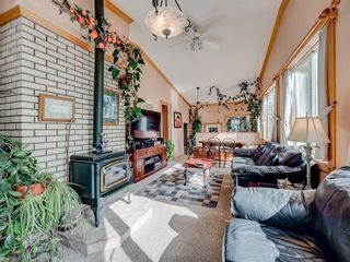Photo 9: 80 CALANDAR Road NW in Calgary: Collingwood Detached for sale : MLS®# C4262502