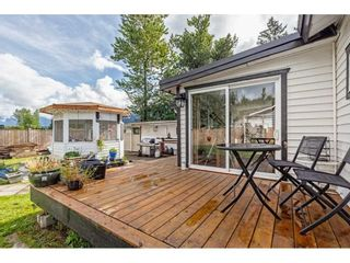 Photo 25: 35281 RIVERSIDE Road: Manufactured Home for sale in Mission: MLS®# R2582946
