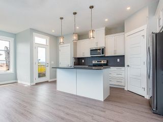 Photo 2: 41 SKYVIEW Parade NE in Calgary: Skyview Ranch Row/Townhouse for sale : MLS®# C4295841