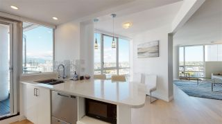 Photo 10: 3103 1201 MARINASIDE Crescent in Vancouver: Yaletown Condo for sale (Vancouver West)  : MLS®# R2575825