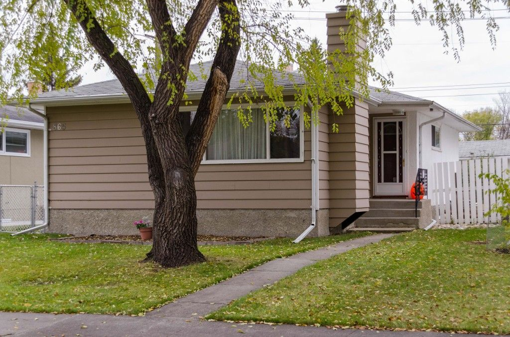 Main Photo: 865 Borebank Street in Winnipeg: River Heights South Single Family Detached for sale (1D)  : MLS®# 1627577