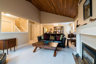 Photo 2: 9066 144A STREET in Surrey: Bear Creek Green Timbers House for sale : MLS®# R2097269