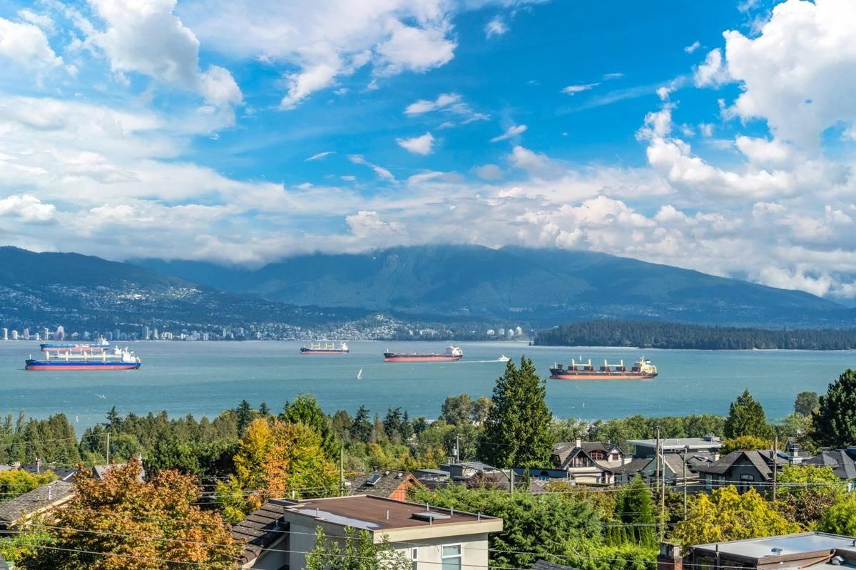 Main Photo: 4541 W 5TH Avenue in Vancouver: Point Grey House for sale (Vancouver West)  : MLS®# R2619462