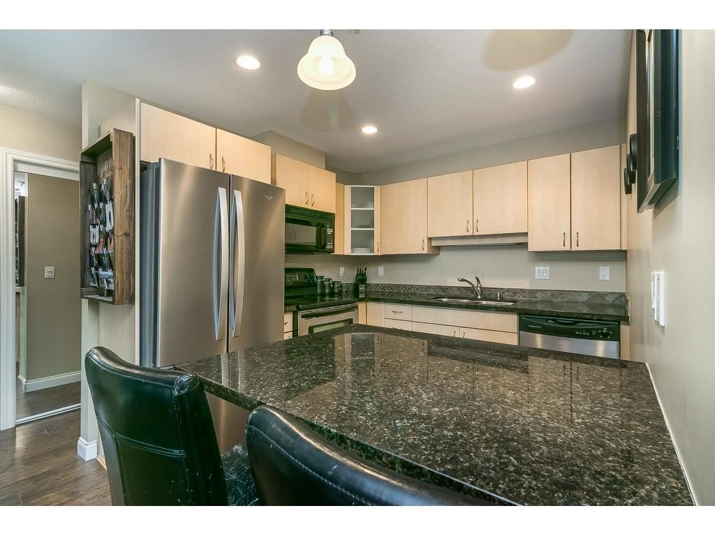 """Photo 7: Photos: 206 19774 56 Avenue in Langley: Langley City Condo for sale in """"Madison Station"""" : MLS®# R2582566"""