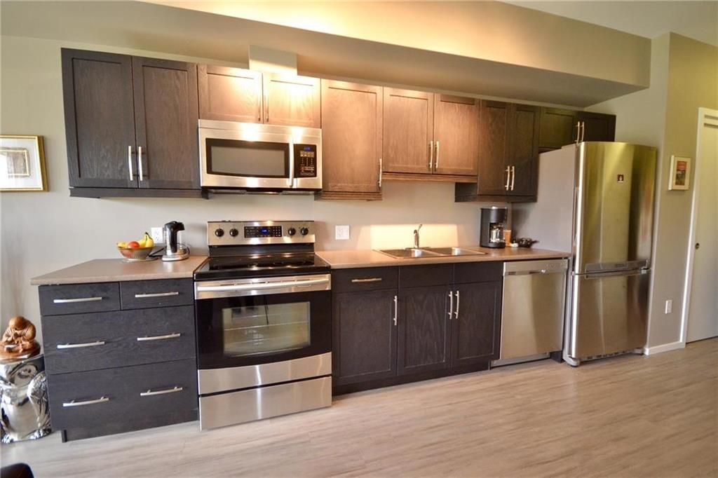 Photo 11: Photos: 303 750 Tache Avenue in Winnipeg: St Boniface Condominium for sale (2A)  : MLS®# 1928020