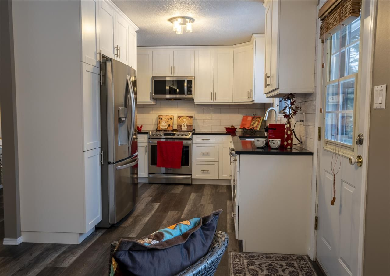 """Photo 9: Photos: 7827 QUEENS Crescent in Prince George: Lower College House for sale in """"LOWER COLLEGE HEIGHTS"""" (PG City South (Zone 74))  : MLS®# R2422885"""