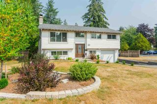 """Photo 2: 20235 36 Avenue in Langley: Brookswood Langley House for sale in """"Brookswood"""" : MLS®# R2301406"""
