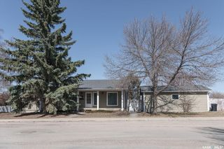 Photo 1: 518 Rossmo Road in Saskatoon: Forest Grove Residential for sale : MLS®# SK849328