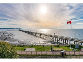 """Photo 36: 14342 SUNSET Drive: White Rock House for sale in """"White Rock Beach"""" (South Surrey White Rock)  : MLS®# R2560291"""