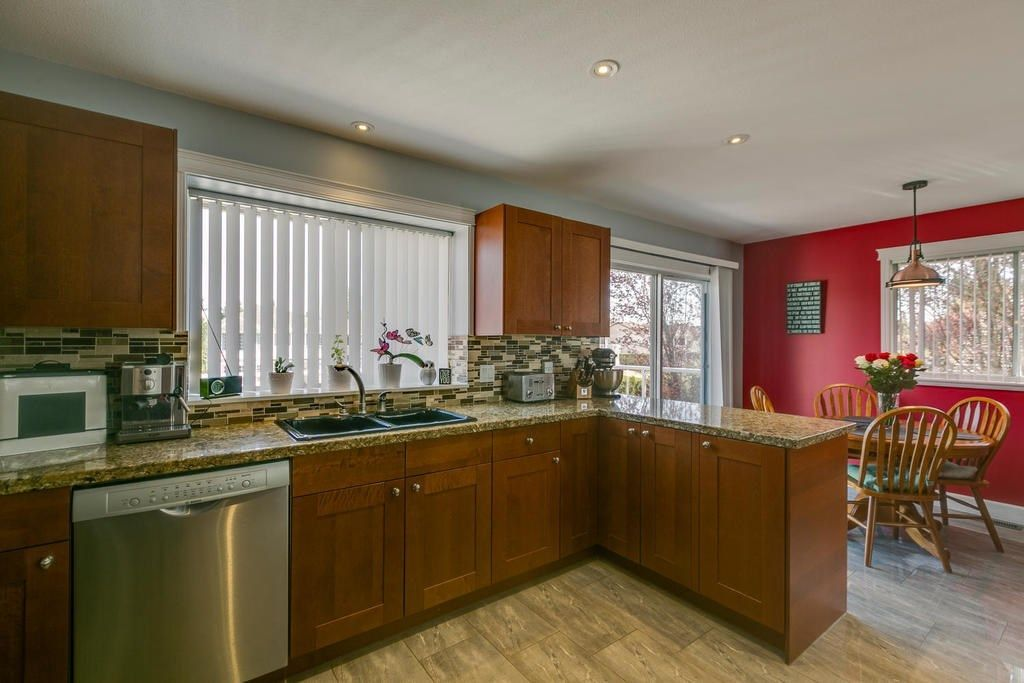"""Photo 12: Photos: 12403 188 Street in Pitt Meadows: West Meadows House for sale in """"HIGHLAND PARK AREA"""" : MLS®# R2261078"""