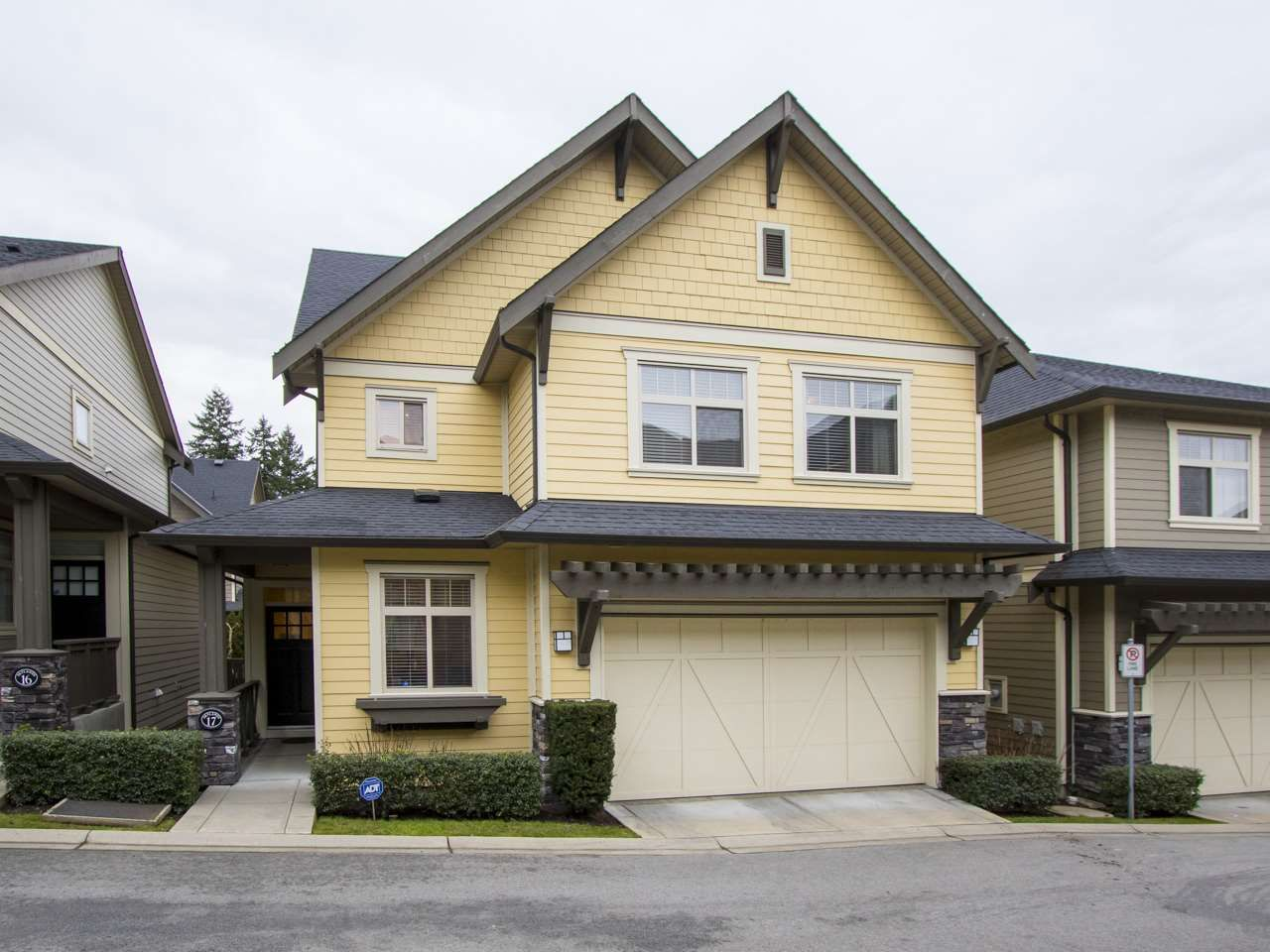 Main Photo: 17 15885 26 AVENUE in Surrey: Grandview Surrey Townhouse for sale (South Surrey White Rock)  : MLS®# R2025383