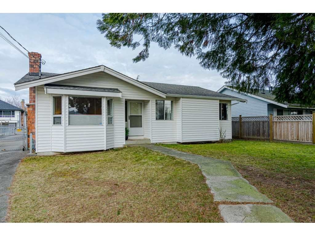 "Main Photo: 14979 96 Avenue in Surrey: Guildford House for sale in ""Guilford/Johnston Heights"" (North Surrey)  : MLS®# R2540304"