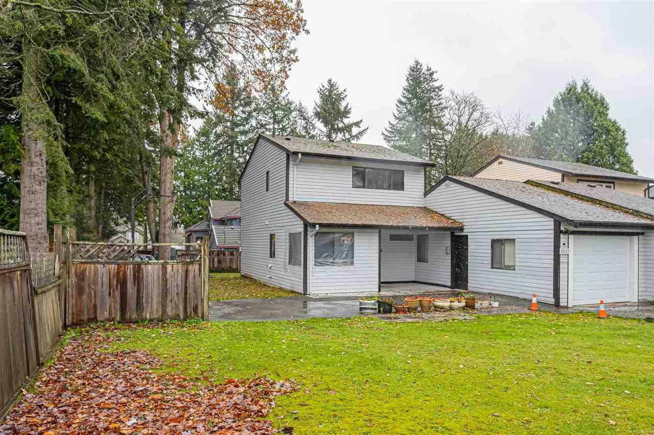 Main Photo: 9520 133A Street in Surrey: Queen Mary Park Surrey 1/2 Duplex for sale : MLS®# R2520131