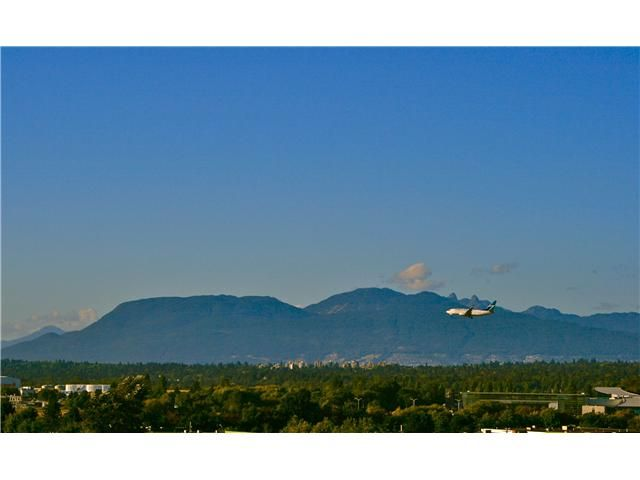 "Main Photo: 1106 7362 ELMBRIDGE Way in Richmond: Brighouse Condo for sale in ""FLO"" : MLS®# V971156"
