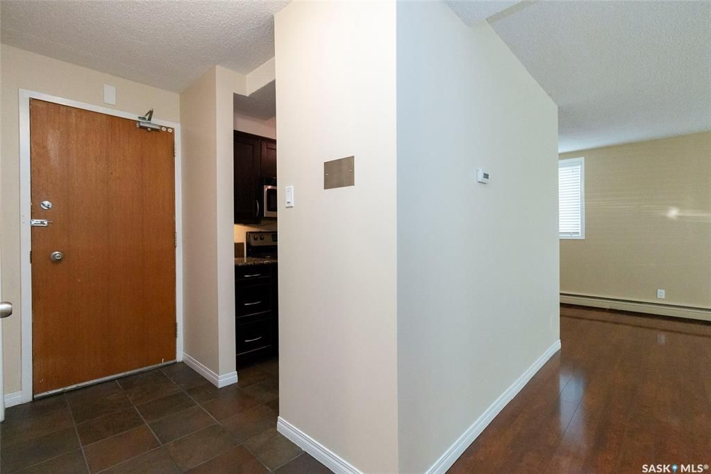 Main Photo: 7 2 Summers Place in Saskatoon: West College Park Residential for sale : MLS®# SK828416