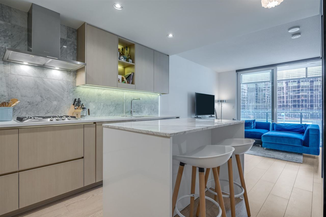 """Main Photo: 507 89 NELSON Street in Vancouver: Yaletown Condo for sale in """"The Arc"""" (Vancouver West)  : MLS®# R2579988"""