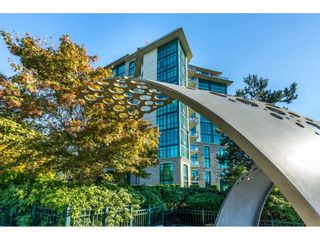 "Photo 2: 205 14824 NORTH BLUFF Road: White Rock Condo for sale in ""Belaire"" (South Surrey White Rock)  : MLS®# R2456173"