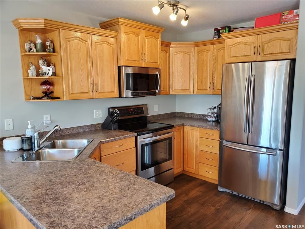 Main Photo: 20 231 Main Street in Martensville: Residential for sale : MLS®# SK857140