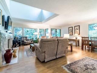 """Photo 6: 3750 NICO WYND Drive in Surrey: Elgin Chantrell Townhouse for sale in """"NICO WYND ESTATES"""" (South Surrey White Rock)  : MLS®# R2604954"""