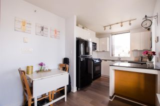 """Photo 7: 1307 151 W 2ND Street in North Vancouver: Lower Lonsdale Condo for sale in """"The Sky"""" : MLS®# R2439963"""