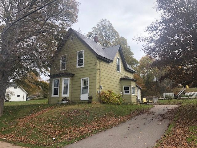 Main Photo: 15 Beacon Street in Amherst: 101-Amherst,Brookdale,Warren Residential for sale (Northern Region)  : MLS®# 201925166