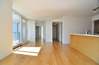 "Photo 8: 1601 565 SMITHE Street in Vancouver: Downtown VW Condo for sale in ""VITA"" (Vancouver West)  : MLS®# R2013406"
