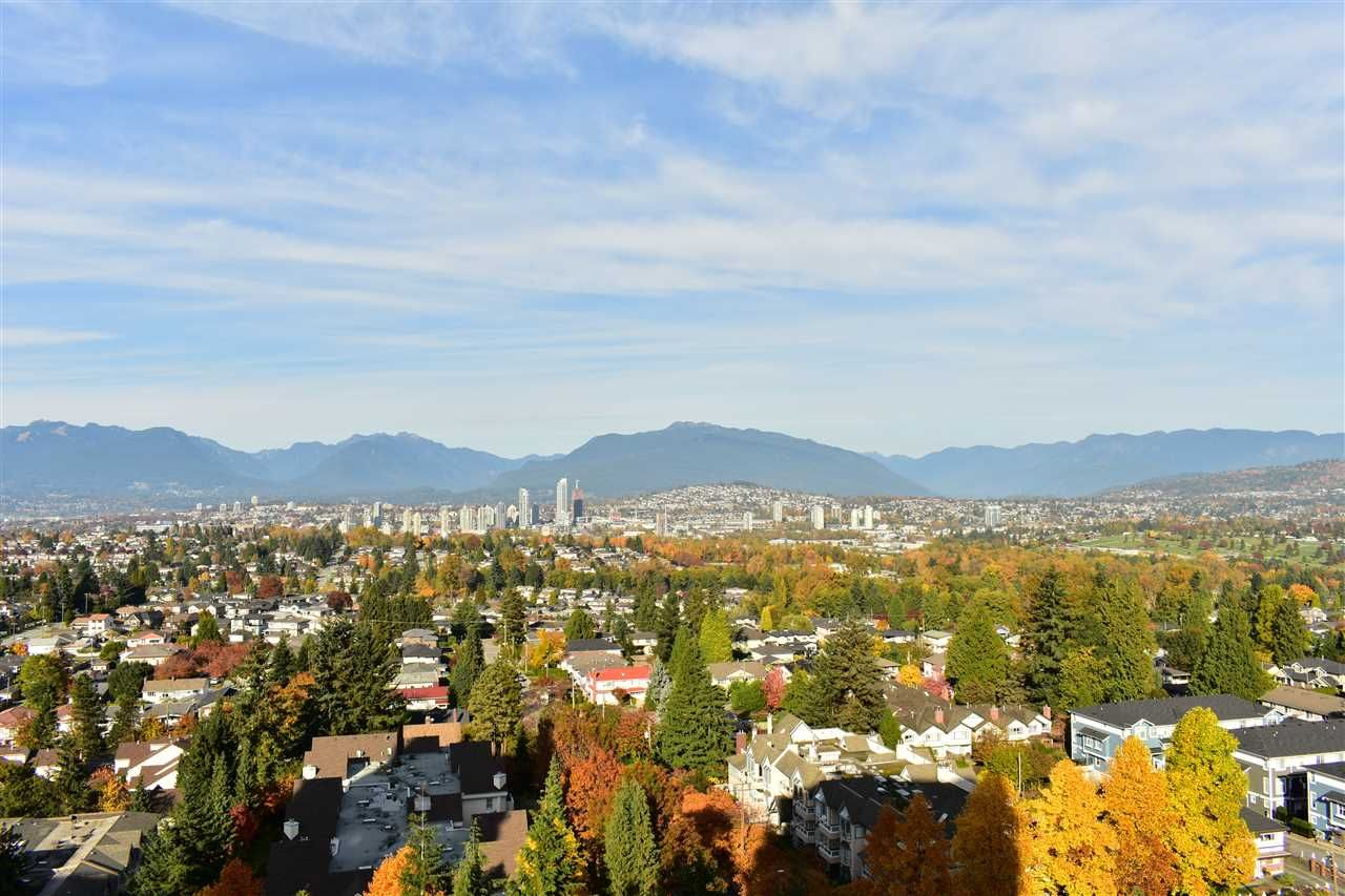 """Main Photo: 1604 5645 BARKER Avenue in Burnaby: Central Park BS Condo for sale in """"Central Park Place"""" (Burnaby South)  : MLS®# R2219348"""