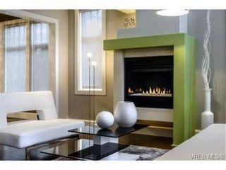 Photo 8: 2162 Neil St in VICTORIA: OB Henderson House for sale (Oak Bay)  : MLS®# 706872