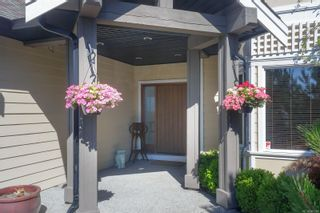 Photo 2: 321 Greenmansions Pl in : La Mill Hill House for sale (Langford)  : MLS®# 883244