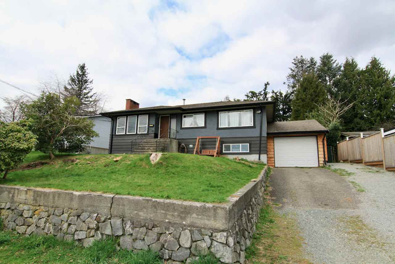 Main Photo: 32845 10TH Avenue in Mission: Mission BC House for sale : MLS®# R2559378